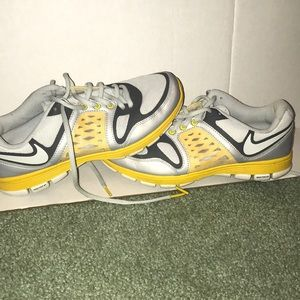 Women's Nike Livestrong Edition Free XT size 7.5
